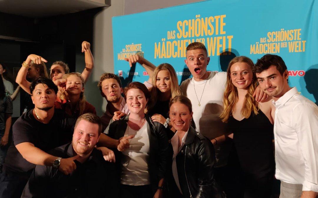 """Standing Ovation im Kinosaal – Die Kinotour von """"Das Schönste Mädchen der Welt"""" macht Halt im Kölner Cinedom"""